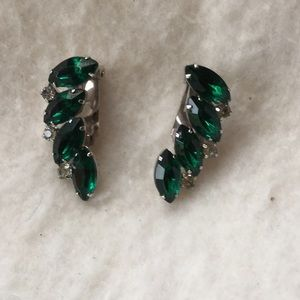 Vintage crystal/glass green clip on earrings